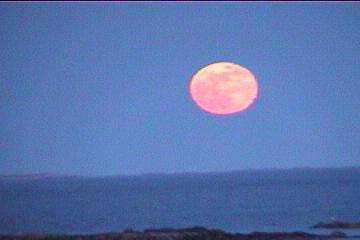 Moon_over_Atlantic
